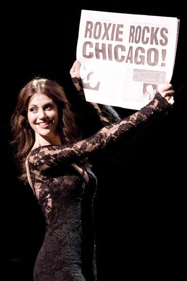 Samantha Harris Chicago photo shoot – Roxie rocks