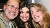 Photo Op - Idina Menzel at Madison Square Garden - Idina Menzel - (parents) Stuart - Helene