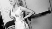 Megan Hilty backstage – leaving
