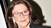 Look at Lyons star Linda Lavin rocking the red glasses. Go Linda!