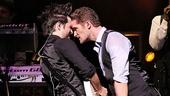 Matthew Morrison Beacon Theatre Concert – Matthew Morrison – guitarist