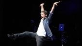 Matthew Morrison Beacon Theatre Concert – Matthew Morrison (dancing 1)