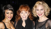 Chicago - Backstage - 3/15 - Carly Hughes - Reba McEntire - Jennifer Nettles