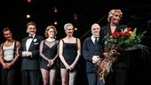 Chicago - NeNe Leakes - First performance - 11/15 - R. Lowe, Jason Danieley, Dylis Croman, Amra-Faye Wright, Raymond Bokhour and NeNe Leakes